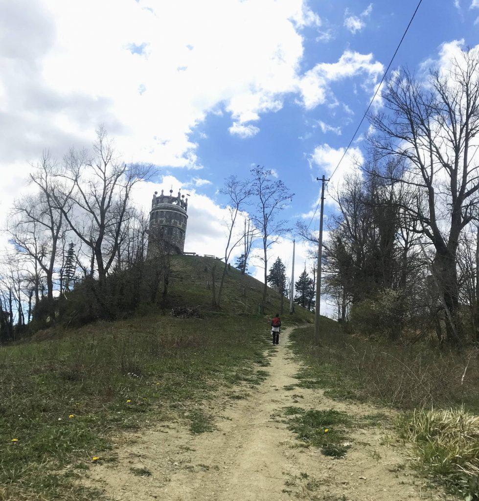 A piedi lungo i crinali dell'appennino